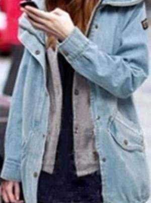 Loose hooded denim jacket
