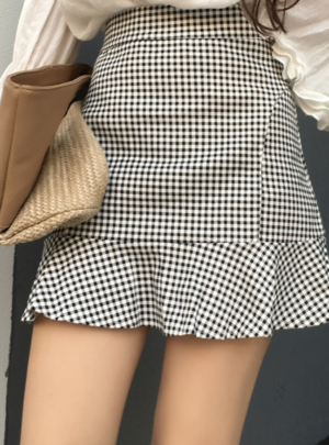 High waist gingham ruffle skirt
