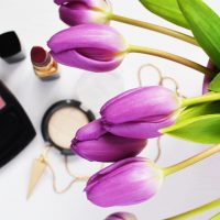 Makeup-and-flowers