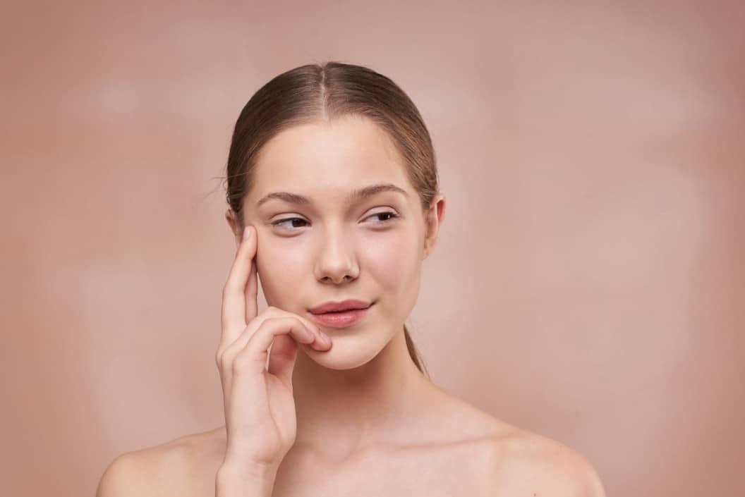 Bare face makeup free